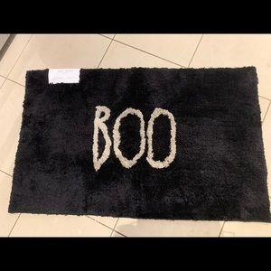 🇺🇸 Rae Dunn BOO Halloween bath mat!